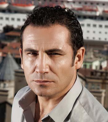 دانلود آهنگ جدید Ferhat Gocer بنام Yillarim Gitti