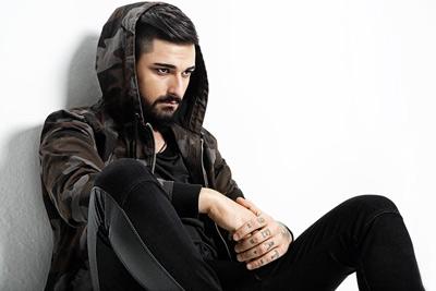 دانلود آهنگ ترکیه ای جدید Ido Tatlises بنام Karanlik